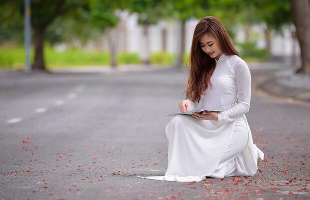 hoaphuong 27 - Cảm nhận của em về bài thơ Đây thôn vĩ dạ của Hàn Mạc Tử
