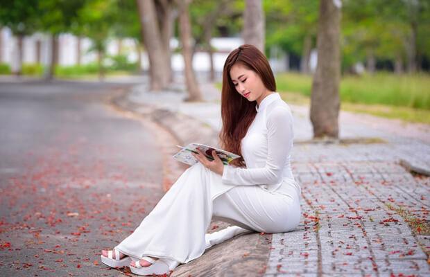 nu sinh dep mo95757972 - Tả cảnh quê hương em vào mùa xuân